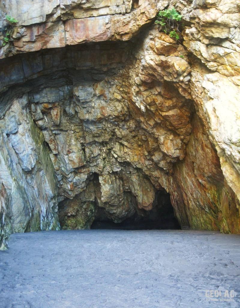 cuevas_barayo